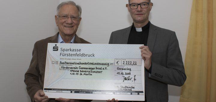 Fördervereins-Vorsitzender Christian Dittrich und Pfarrer Christian Andreas Jaster